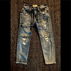 Abercrombie and Fitch distressed jeans siz…